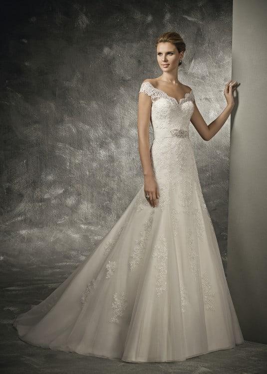 Dlouhé svatební šaty