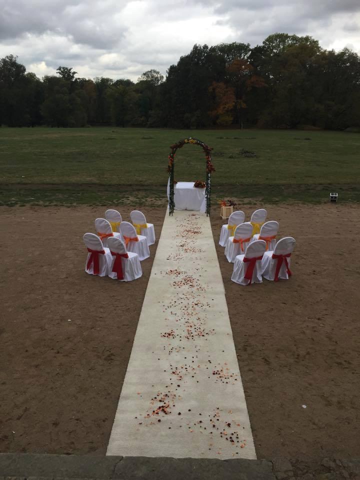 Svatební obřad v přírodě