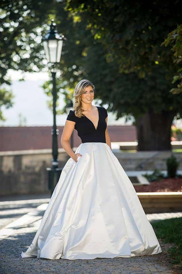 Společenské šaty dlouhé • Camilla Style Kolín e6e6dbfb43